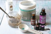 Treating mosquito bites with clay paste – natural remedy